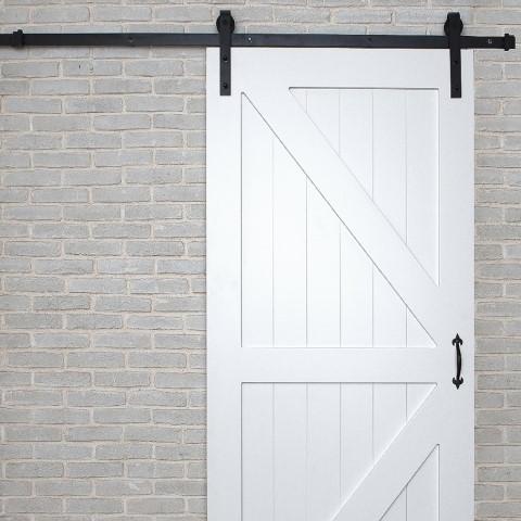 דלת אסם לבנה